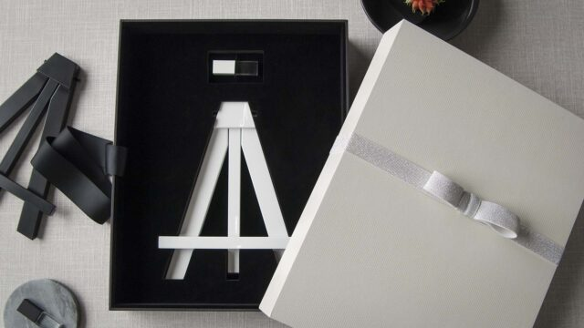 Optional USB and Easel Foam Insert for 11x14 Boxes