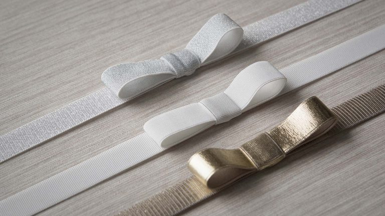 Optional Ribbon colours (from top to bottom) Silver Sparkle, White, Metallic Gold