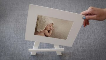 Display an individual matted print
