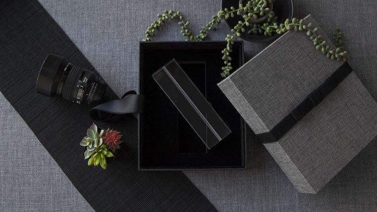 Optional Acrylic Mat Holder Insert for an 8x10 Vogue Box