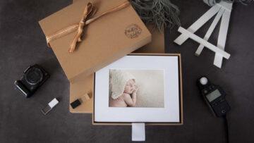 A Stylish Craft Paper Folio Box
