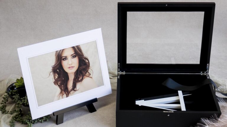 Accessorise your Folio Box with an optional Signature Easel